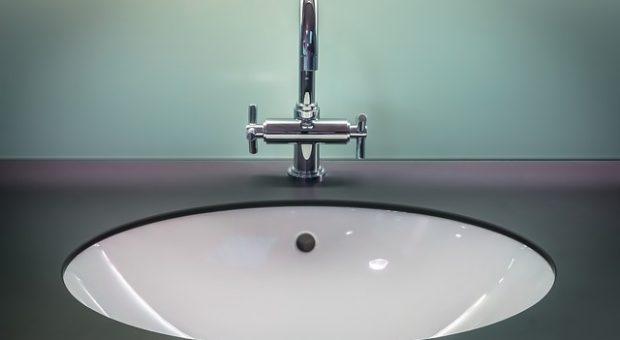 Ideas para reformar un baño pequeño y ahorrar agua