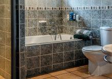 Consejos de iluminación para baños pequeños, ampliar el espacio