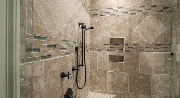 Características y ventajas de las duchas de obra modernas